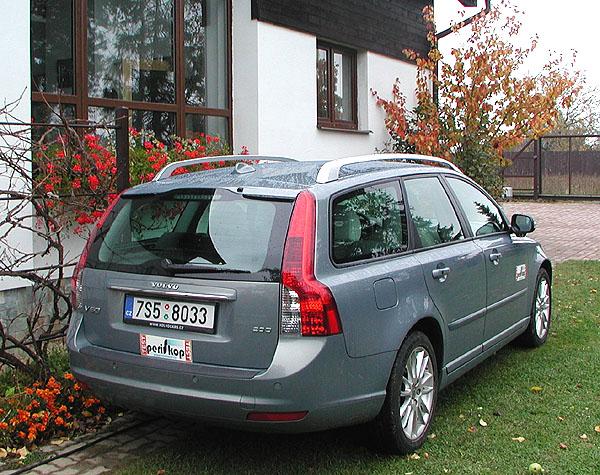 Elegantní prostorné mimořádně bezpečné Volvo V50 v testu redakce