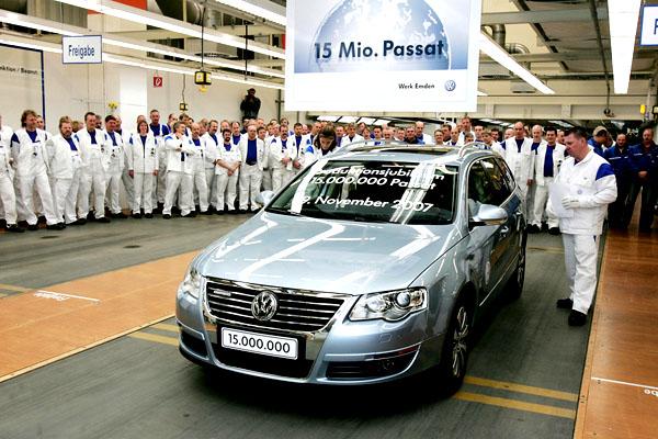 Volkswagen slaví 15 milionů Passatů