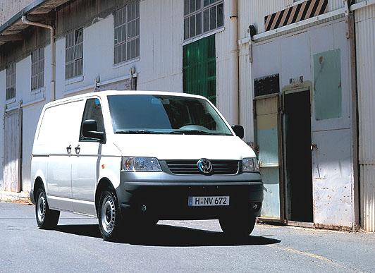 """Volkswagen slaví titul """"Van of the Year"""" akčním modelem Transporter"""