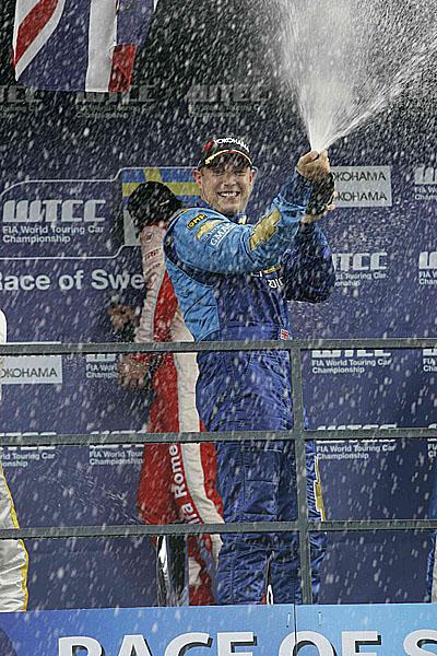 Chevrolet ovládl závod WTCC ve švédském anderstorpu!